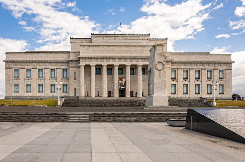 Musée de mémorial de guerre d'Auckland images stock
