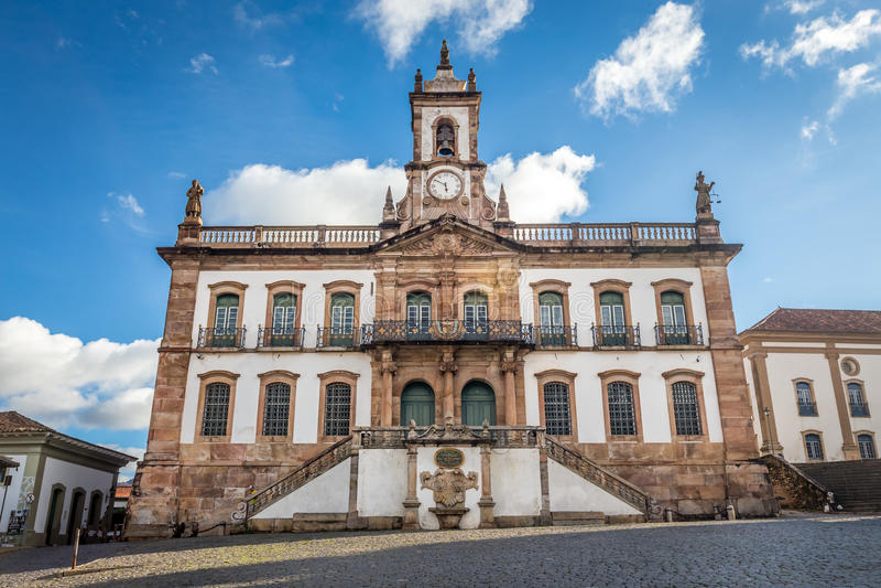 Musée de trahison de place de Tiradentes dans Ouro Preto, Brésil images libres de droits