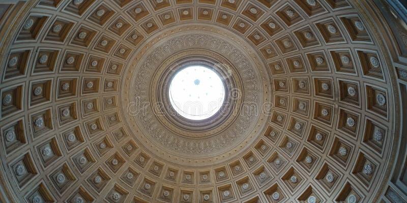 Musée de Vatican de dôme - basilique de l'Italie Rome St Peter images libres de droits