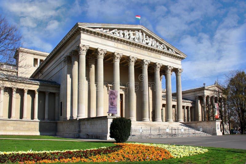 Musée des beaux-arts dans la place des héros, Budapest image libre de droits
