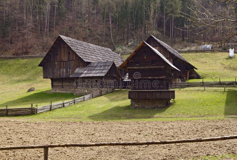 Musée en plein air autrichien Stuebing près de Graz : Granges, Winkl près d'E images libres de droits