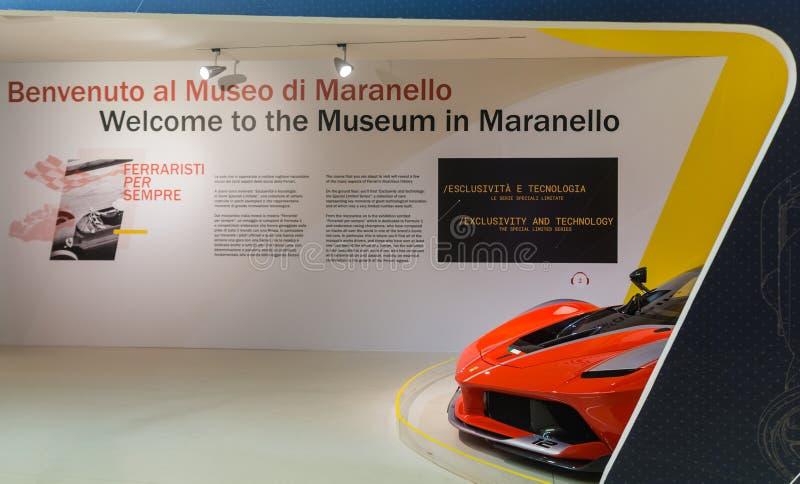 Musée Enzo Ferrari Hall d'exposition des voitures de sport Ferrari photo libre de droits