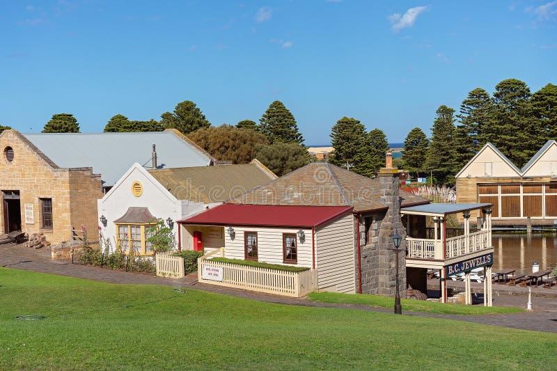 musée maritime Australiaz de village de rue de colline du 19ème siècle de hampe de drapeaux photographie stock