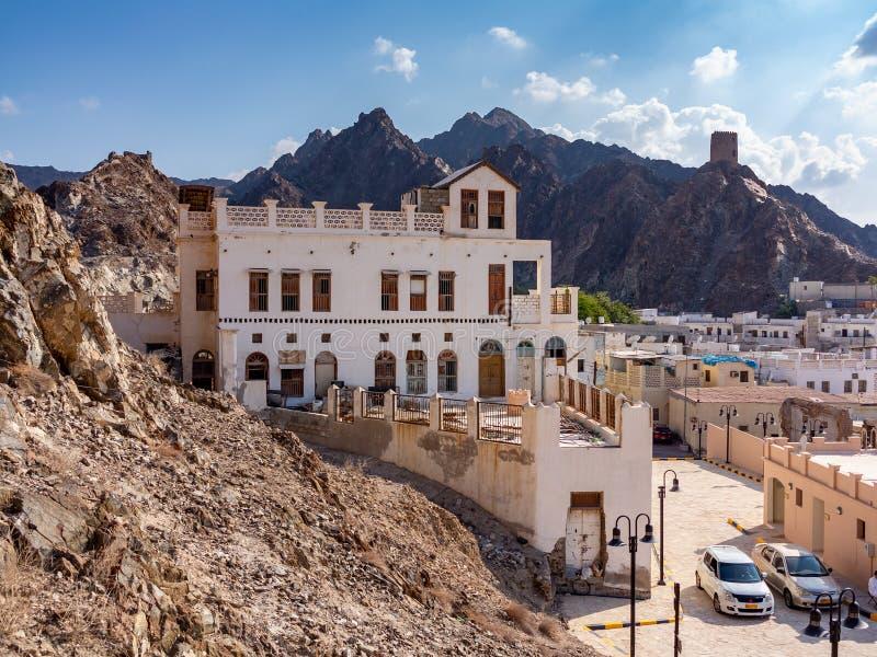Muscat Oman - December 17, 2018: Panoramautsikt av den stadsMuscat huvudstaden av Oman från fortet Muttrah arkivfoto