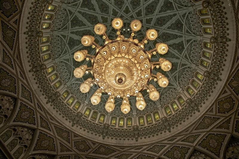 MUSCAT, OMAN Interior design of the Sultan Qaboos Grand Mosque i royalty free stock photos