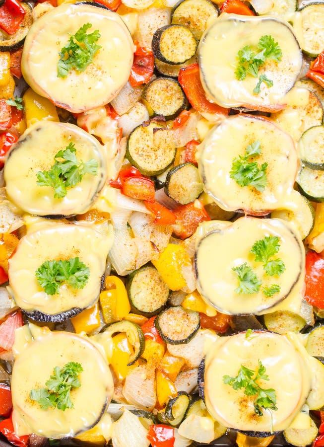 Muschrooms cozidos com queijo imagens de stock royalty free