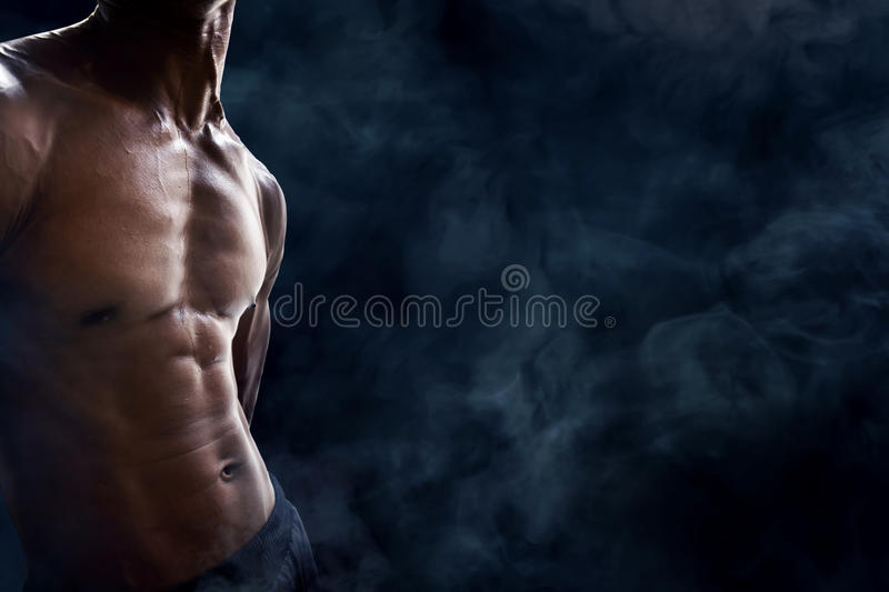 Muscles abdominaux d'homme image stock