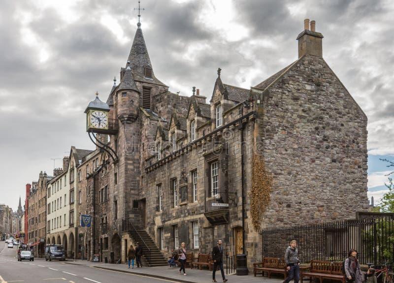 Museet för berättelse för folk` s på den kungliga mil, Edinburg, Skottland, UK royaltyfri bild