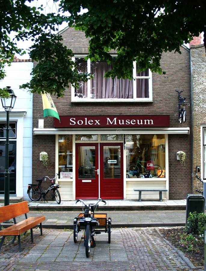 Museet för en historisk motoriserad cykel kallade Solex fotografering för bildbyråer
