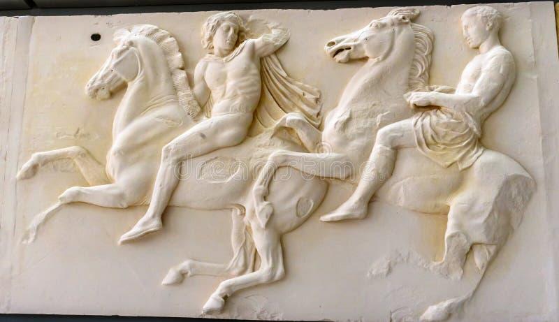 Museo Atene Grecia dell'acropoli del Partenone del pannello dei cavalli degli uomini fotografia stock libera da diritti