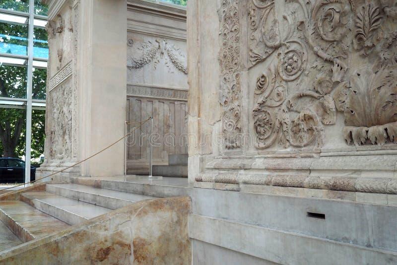 Museo de Ara Pacis en Roma, Italia fotos de archivo libres de regalías