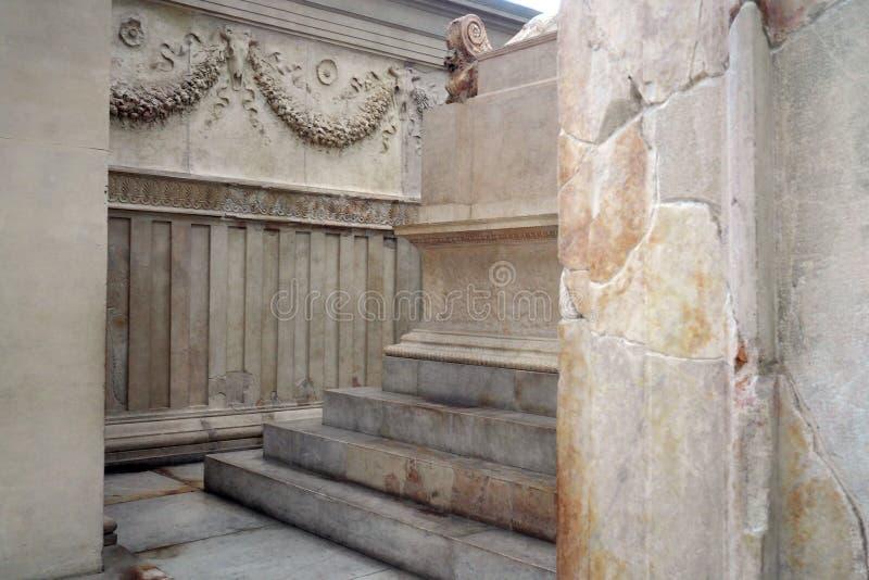 Museo de Ara Pacis en Roma, Italia imagen de archivo