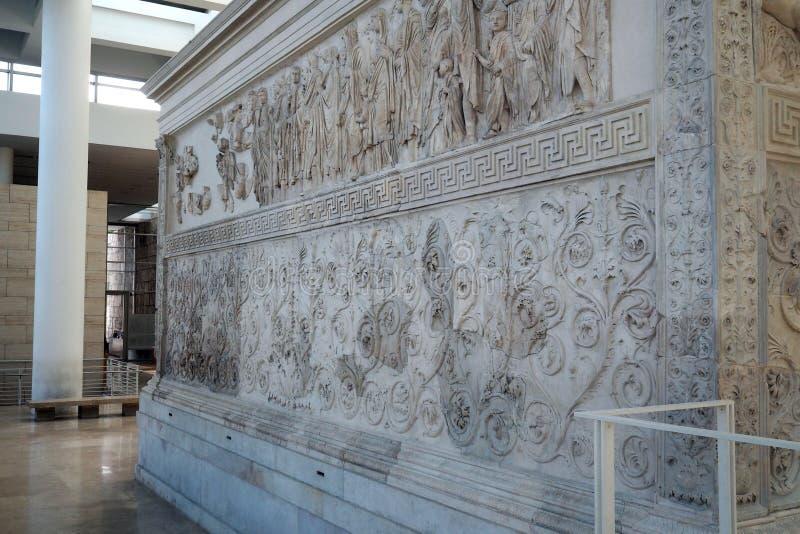 Museo de Ara Pacis en Roma, Italia imagenes de archivo