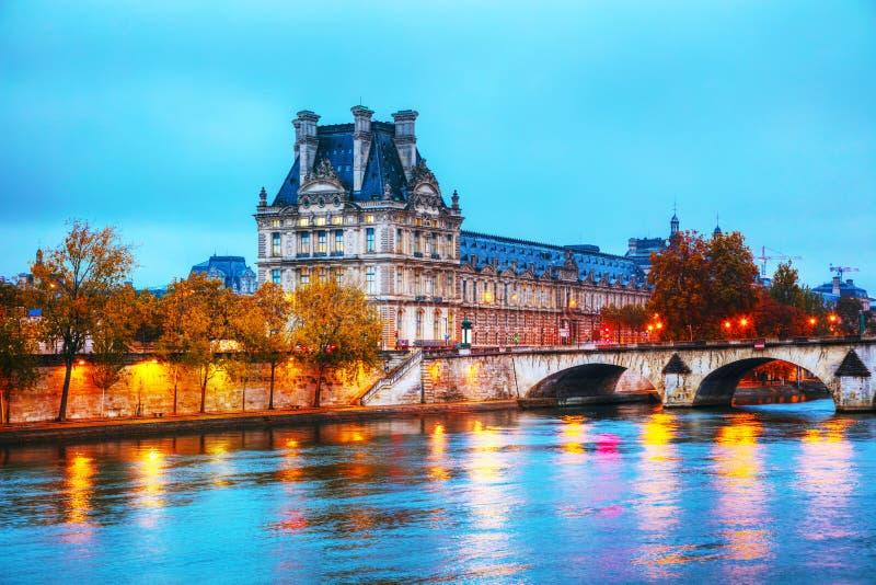 Museo de Musee du Louvre Louvre en París, Francia imagen de archivo