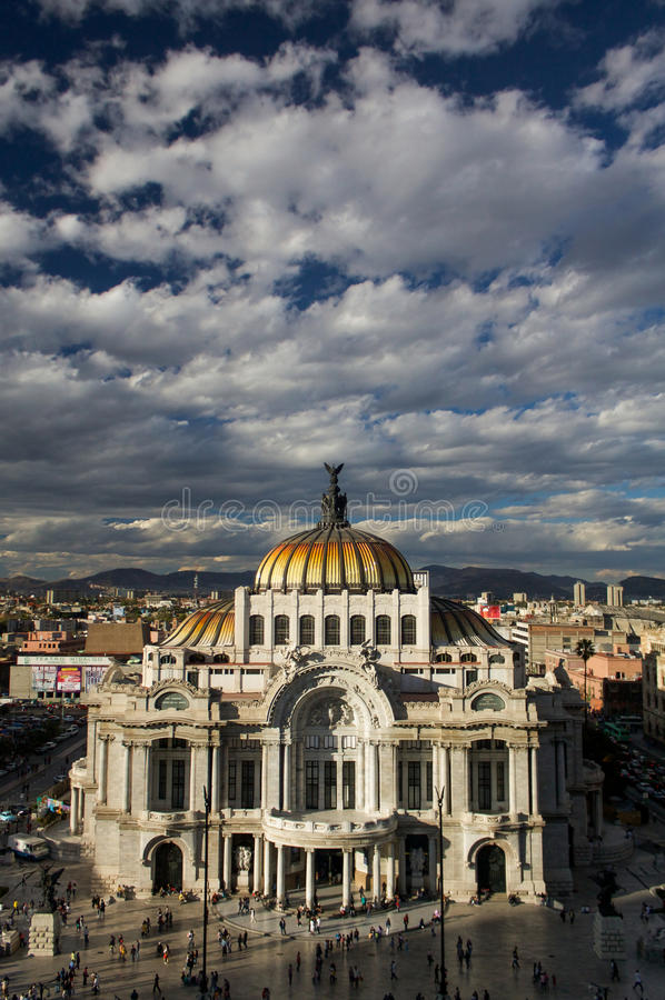 Museo delle belle arti a Messico City o Palacio Del Belles Artes fotografie stock