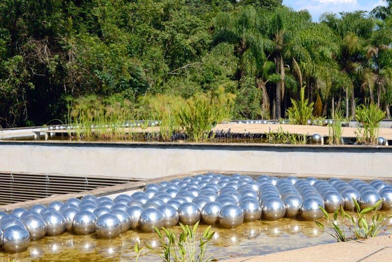 Museo di arte pubblico di Inhotim nel Brasile immagine stock libera da diritti