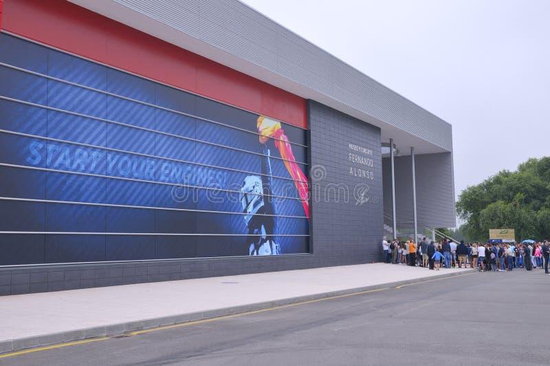 Museo di inaugurazione F1 del driver Fernando Alonso immagine stock libera da diritti