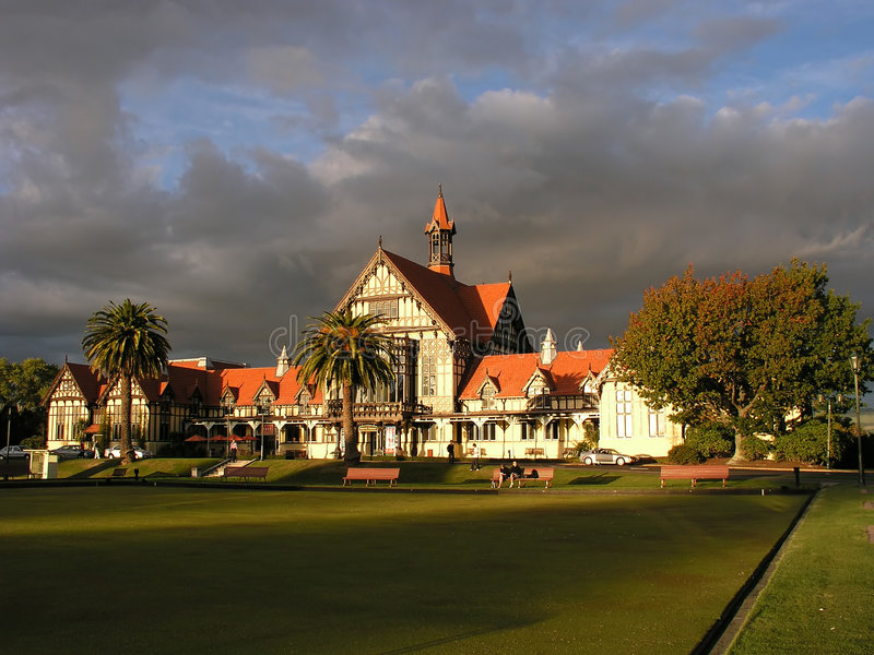 Download Museo di Rotorua fotografia stock. Immagine di erba, bagno - 202188