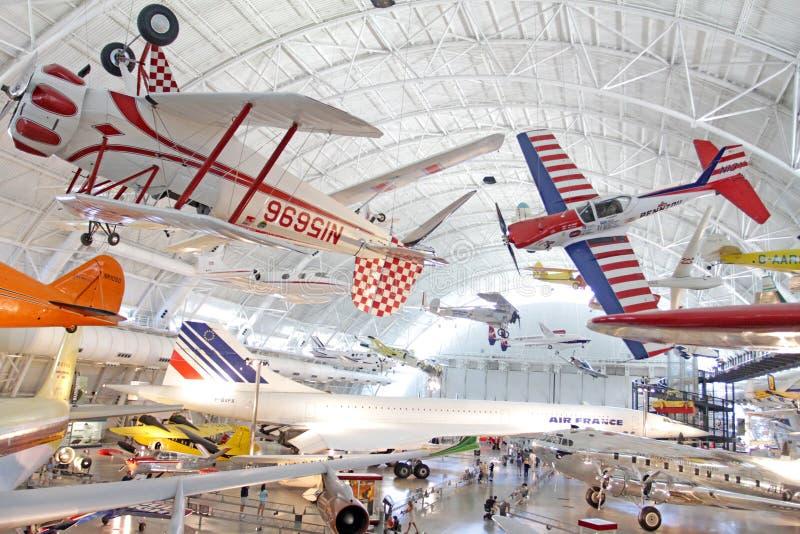 Download Museo Di Spazio E Dell'aria Fotografia Editoriale - Immagine di aeroplano, nebbioso: 15852341