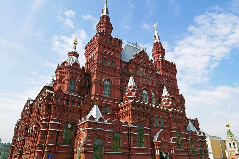 Museo histórico del estado en la Plaza Roja en Moscú, Rusia imagenes de archivo