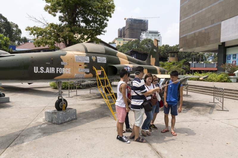 Museo los remanente de la guerra en Ho Chi Minh, Vietnam fotografía de archivo