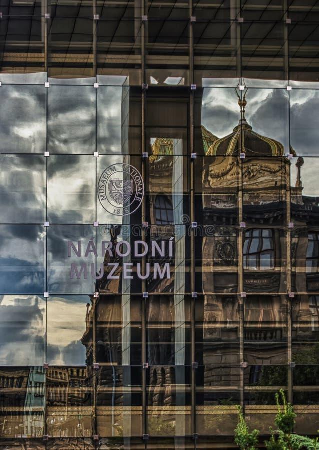 Museo Nacional de Praga en la República Checa con reflexiones foto de archivo libre de regalías