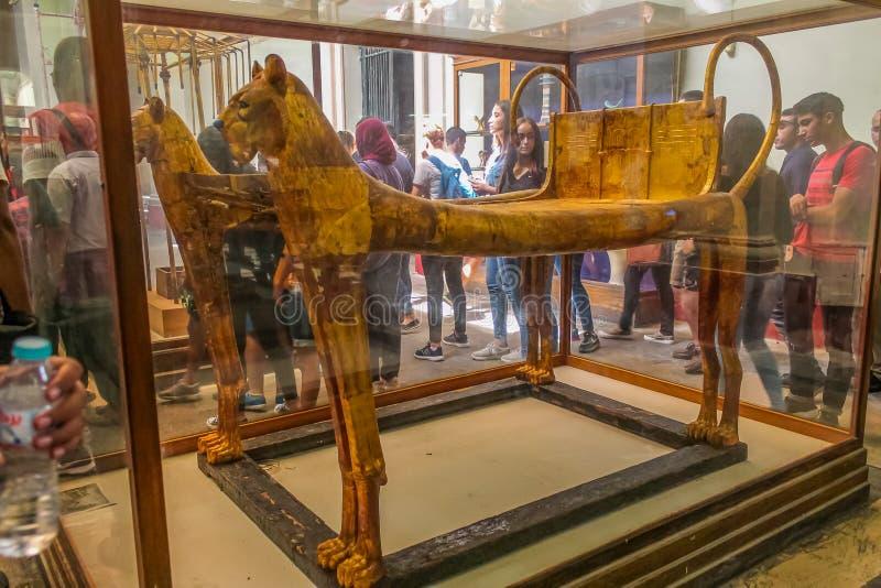 Museo nacional Expans de El Cairo dedicado a Egipto antiguo, a los Pharaohs, a las momias y a las pirámides egipcias foto de archivo libre de regalías