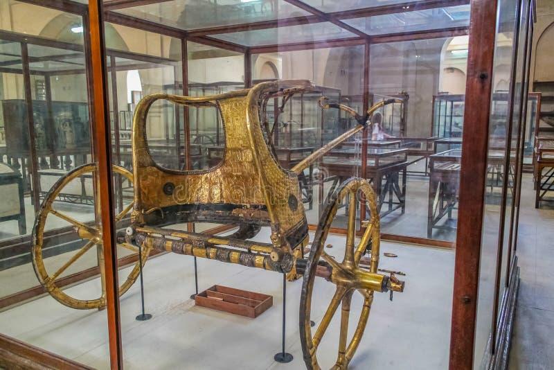 Museo nacional Expans de El Cairo dedicado a Egipto antiguo, a los Pharaohs, a las momias y a las pirámides egipcias fotografía de archivo