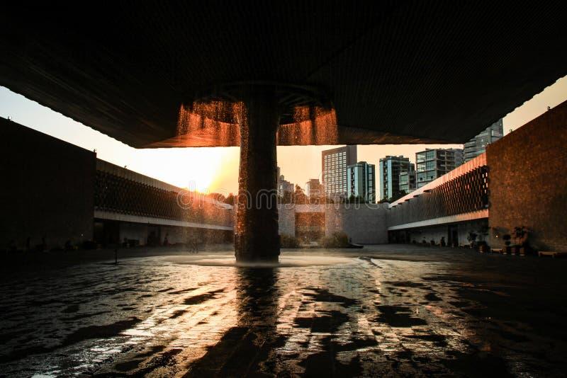 Museo nazionale di antropologia al tramonto, Città del Messico, Messico fotografia stock libera da diritti