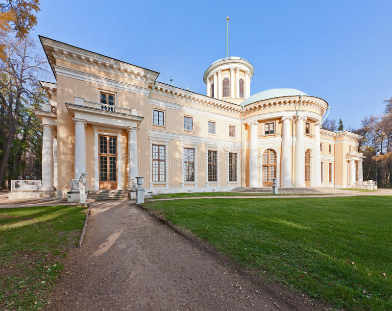 Museo-Proprietà di Arkhangelskoye. Grande palazzo. immagini stock