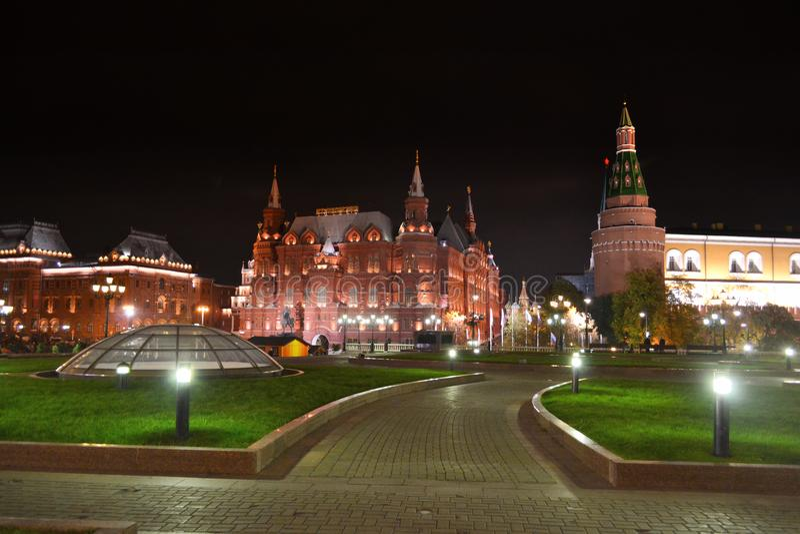 Museo storico dello stato alla notte a Mosca immagini stock libere da diritti