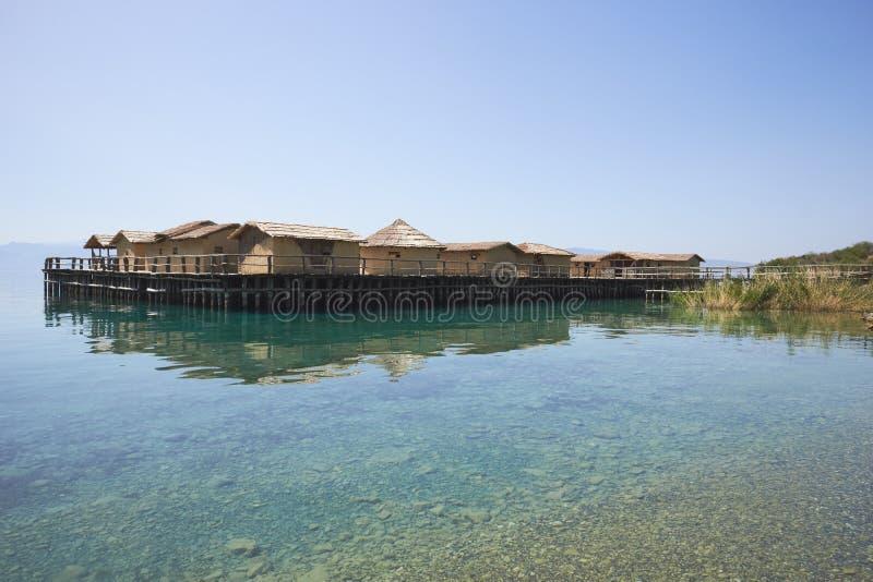 Museo sull'acqua sul lago Ocrida in Macedonia fotografie stock