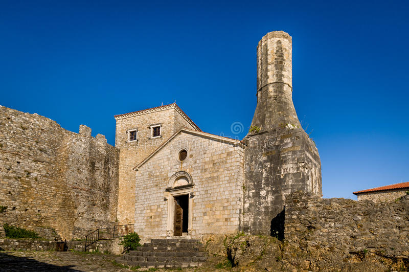 Museu arqueológico da cidade velha de Ulcinj, Montenegro fotografia de stock