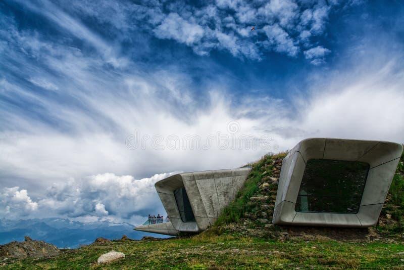 Museu Corones da montanha de Messner foto de stock
