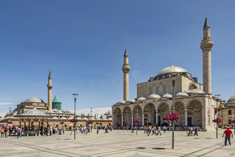Museu de Mevlana conhecido como o mausoléu ou o Green Dome verde A mesquita do museu e do Selimiye de Mevlana é i encontrado fotos de stock
