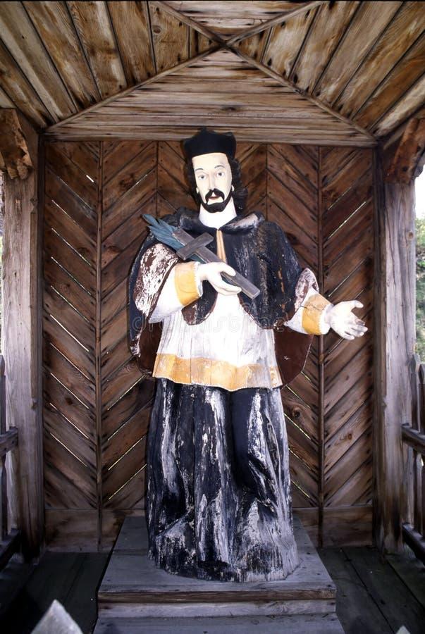 Museu do ar livre em Nowgorod, uma capela de madeira bonita fotografia de stock royalty free