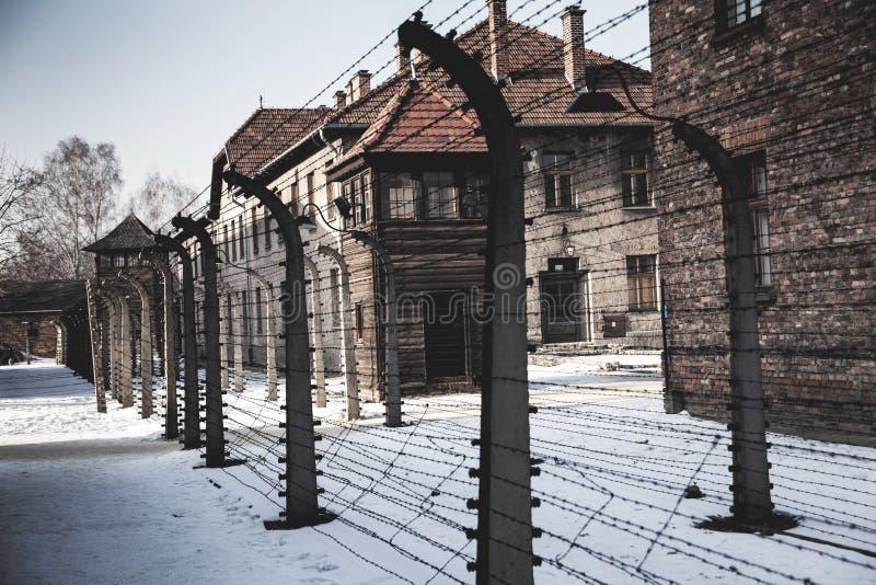Museu do crematório do holocausto ao lado da câmara de gás Lugar escuro terrível em um campo de concentração fotos de stock royalty free