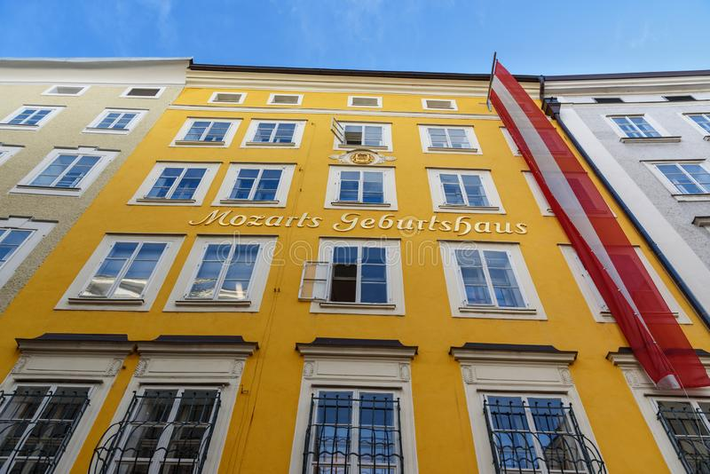 Museu do lugar de nascimento de Mozart em Salzburg ?ustria fotos de stock