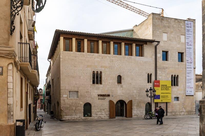 Museu do vinho de Vinseum em Vilafranca del Penedes, Catalonia, Espanha fotografia de stock