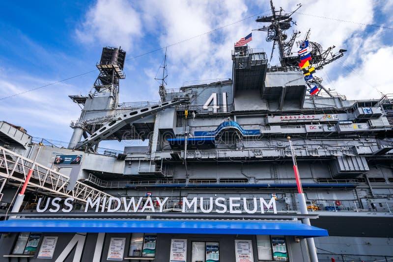 Museu intermedi?rio de USS, San Diego USS a meio caminho é um porta-aviões convertido a um museu marítimo em San Diego, Califórni fotografia de stock