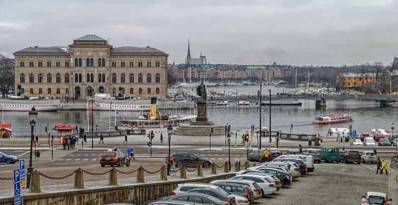 Museu Nacional da construção do Museu Nacional das belas artes situada na península Blasieholmen no centro de cidade Vista do qua fotografia de stock