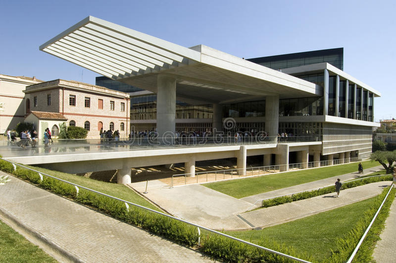 Museu novo do Acropolis em Atenas fotos de stock royalty free