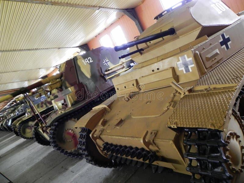 Museum av behållare och bepansrade vapen Museum tilldelat till militär utrustning och teknologi Detaljer och n?rbild royaltyfri fotografi