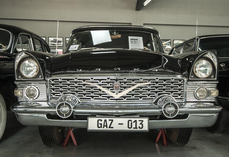 Museum av gamla sovjetiska bilar arkivbilder