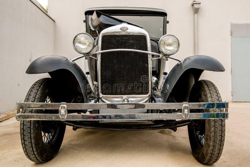 Museum av gamla sovjetiska bilar arkivfoto