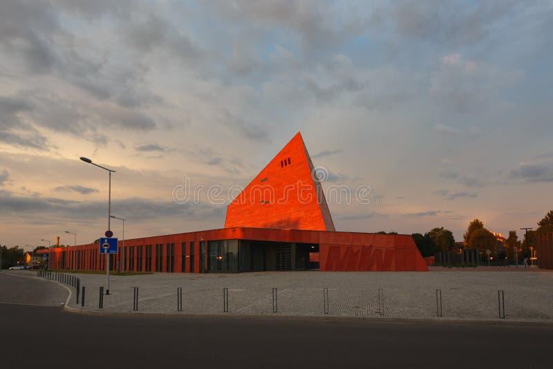 Download Museum Des Zweiten Weltkriegs In Gdansk Redaktionelles Stockfotografie - Bild von gebäude, rücksortierung: 96930487