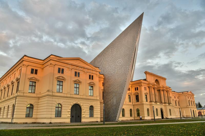 Museum för militär historia i Dresden, Tyskland royaltyfri foto