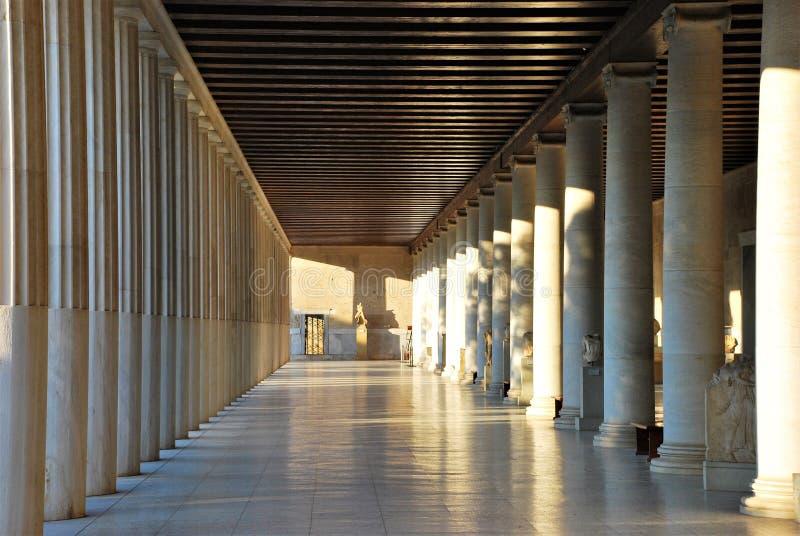 Museum i marknadsplats nära akropolen av Aten, Grekland arkivfoto