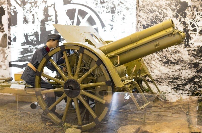 Museum van de geschiedenis van de militairen van het Hongaarse leger met historische tentoongestelde voorwerpen en samenstellinge stock foto