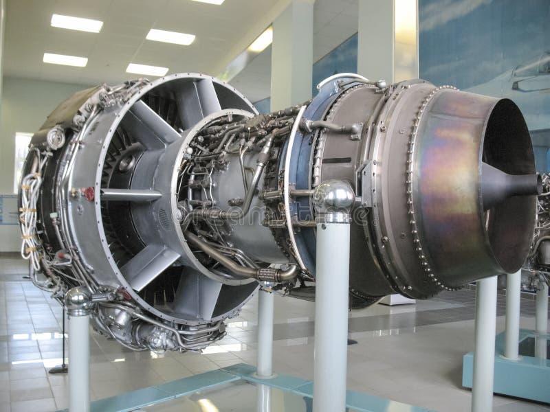Museum van de geschiedenis van de bouw van de vliegtuigenmotor Vliegtuigenmotoren op tribunes Turbinemotoren en interne verbrandi royalty-vrije stock foto's